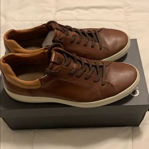 Ecco soft 7 sneaker like new with box